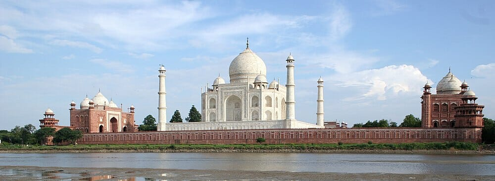 Mughals such as Agra Fort, BulandDarwaza, FatehpurSikri, Sikandra and one of the seven wonders the TajMahal